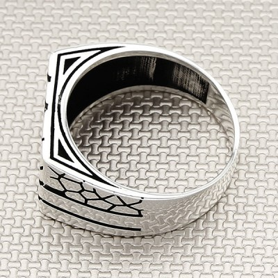 Wholesale Silver Men's Ring With Modern Wall Pattern
