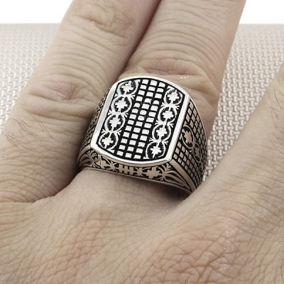 Wholesale Silver Men's Ring With Modern Pattern